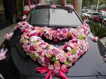 999朵玫瑰心形花车