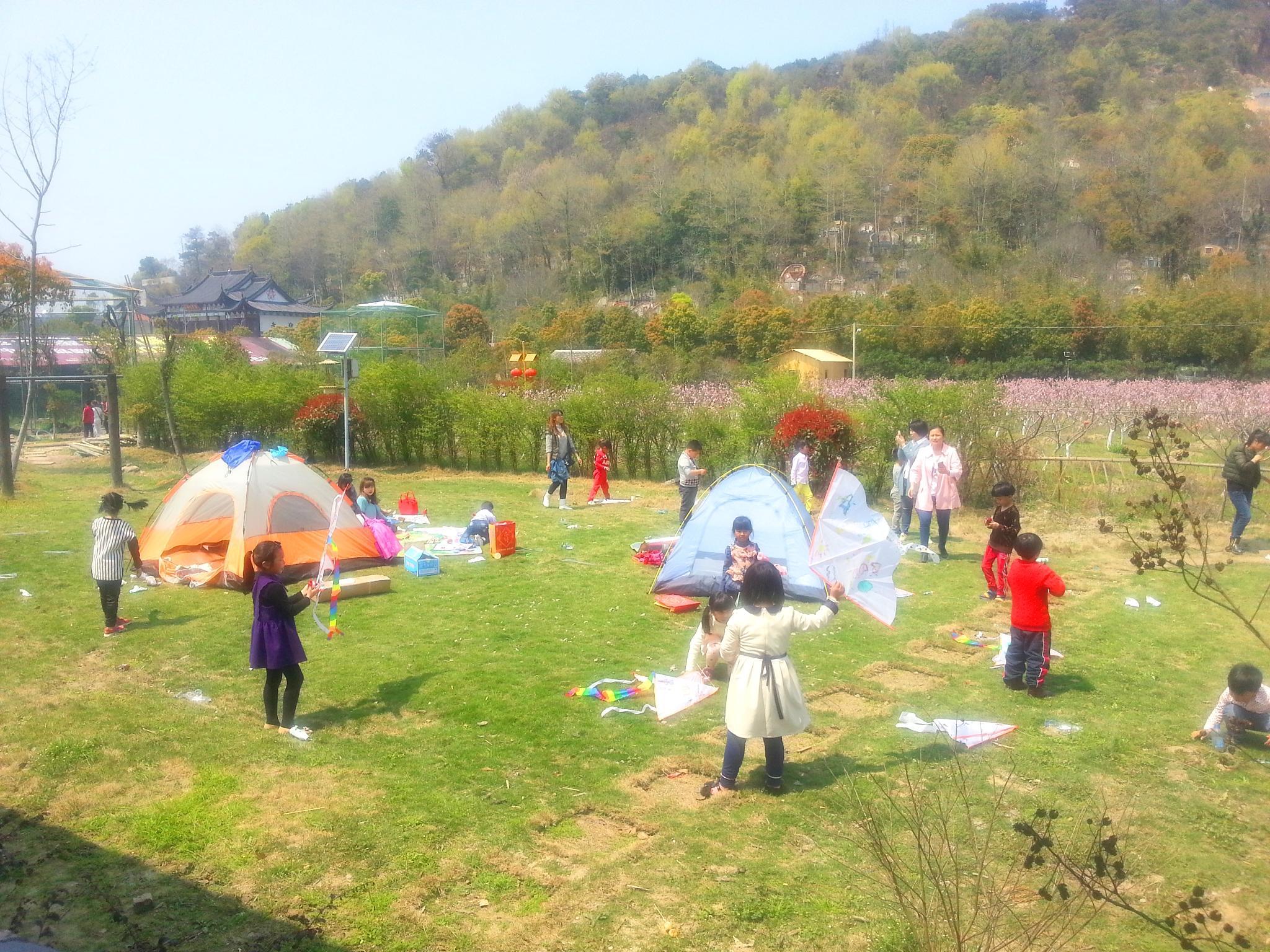 乡村儿童活动场地