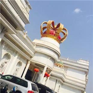 缅甸?#22987;?#23089;乐城-定制皇冠雕塑