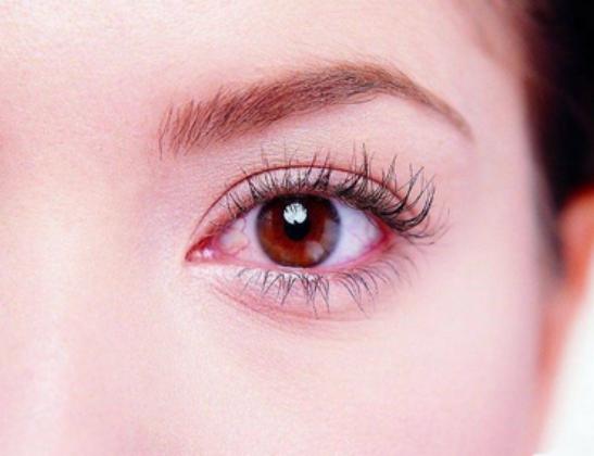 亿正堂保卫视界眼贴告诉你眼睛有红血丝中医应如何调理图片