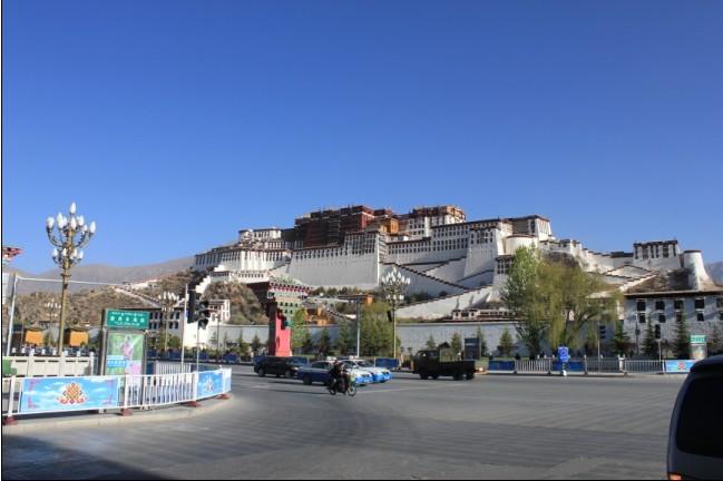 赫特前往西藏安装无功补偿、开关柜