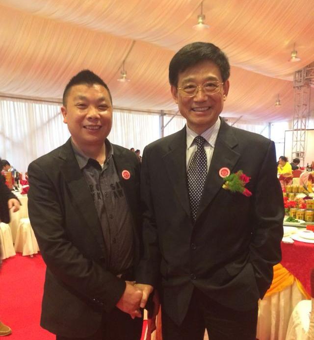 全国政协常委安徽政协主席王鹤龄亲切接见公司董事长方义华先生